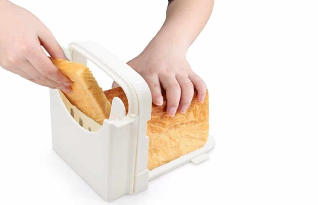 Adjustable and Foldable Bread Slicer from Yummy Sam